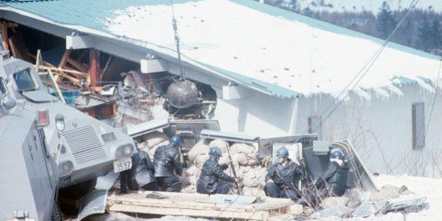 浅間山荘事件から45年。視聴率90%、日本中が息をのんだ瞬間(画像集)