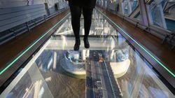 【タワーブリッジ】ガラス張りの歩道が公開2週間で亀裂 その理由は?(画像)