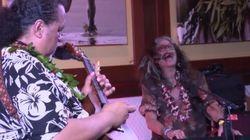 エアロスミスのスティーブン・タイラー、ウクレレをバックに「ドリーム・オン」を絶叫する(動画)