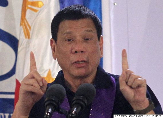 ドゥテルテ氏、フィリピン全土の禁煙宣言へ 車の中も禁止に