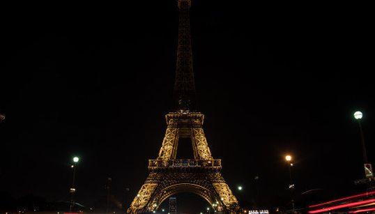 エッフェル塔の灯りが消える シリア・アレッポへの祈り込め(画像)