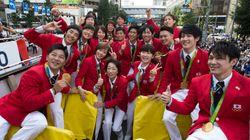 リオのメダリストが銀座パレード、福原愛、内村航平ら笑顔【画像集】