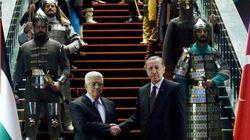 トルコのエルドアン大統領、権限の強化が進みすぎてまるで皇帝(画像)