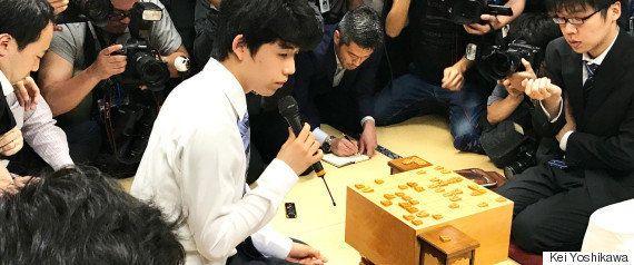 藤井聡太四段、前人未到の29連勝で「プレッシャーはあるんですけど...」(会見全文)
