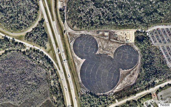 ディズニーの発電所を空から眺めていたら、すごいものが浮かび上がった