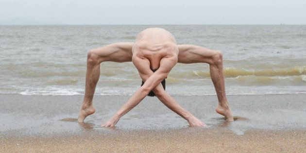 軟体ダンサーの謎のポーズがエイリアンにしか見えん(画像)
