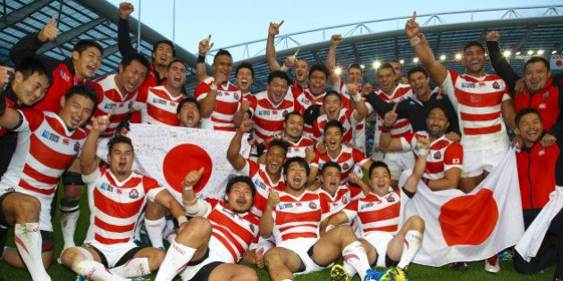 BRIGHTON, ENGLAND - SEPTEMBER 19: Japan players after the win over South Africa during the Rugby World...