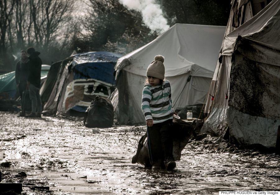 フランスの難民キャンプで暮らす人々は、こんな住環境に置かれている(画像集)