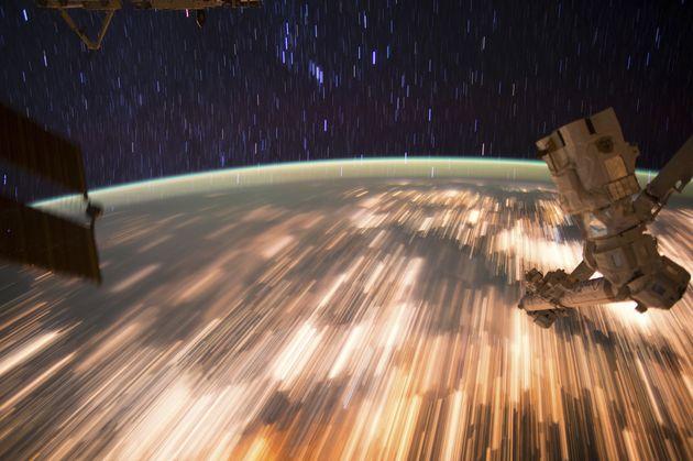 NASA、大量のGIFを公開 ロケット打ち上げから謎の実験まで、宇宙の不思議映像を共有可能に