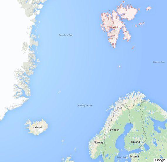 難民はノルウェーに到着すると、ホッキョクグマがいっぱいの島に送られるかもしれない