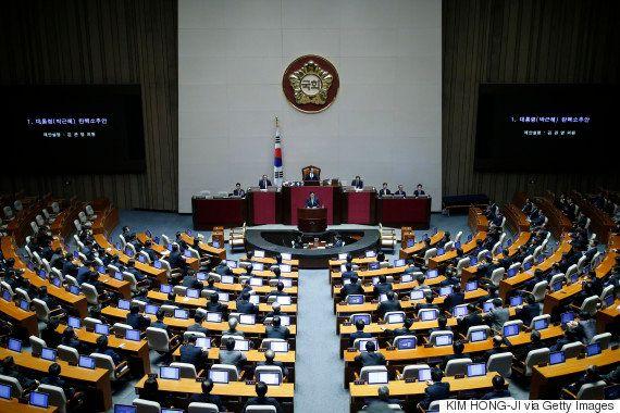 朴槿恵大統領の弾劾、韓国国会が可決 予想外の大差で職務停止に(UPDATE)