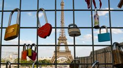 10トンの愛で難民支援 パリ名物「愛の南京錠」を一部販売へ