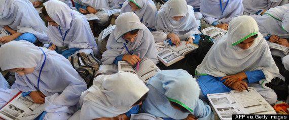パキスタンの学校は襲撃や誘拐が繰り返されて悲惨なことがわかる12の数字