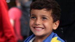 難民が長い苦難の旅を終えた時 彼らは笑顔と涙でいっぱいになった(画像)