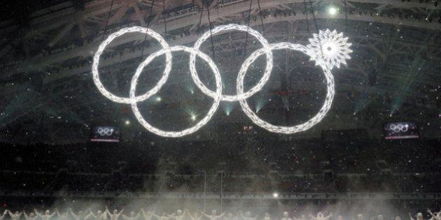 ソチオリンピック開会式「開かずの輪」、実は前日に落下していた