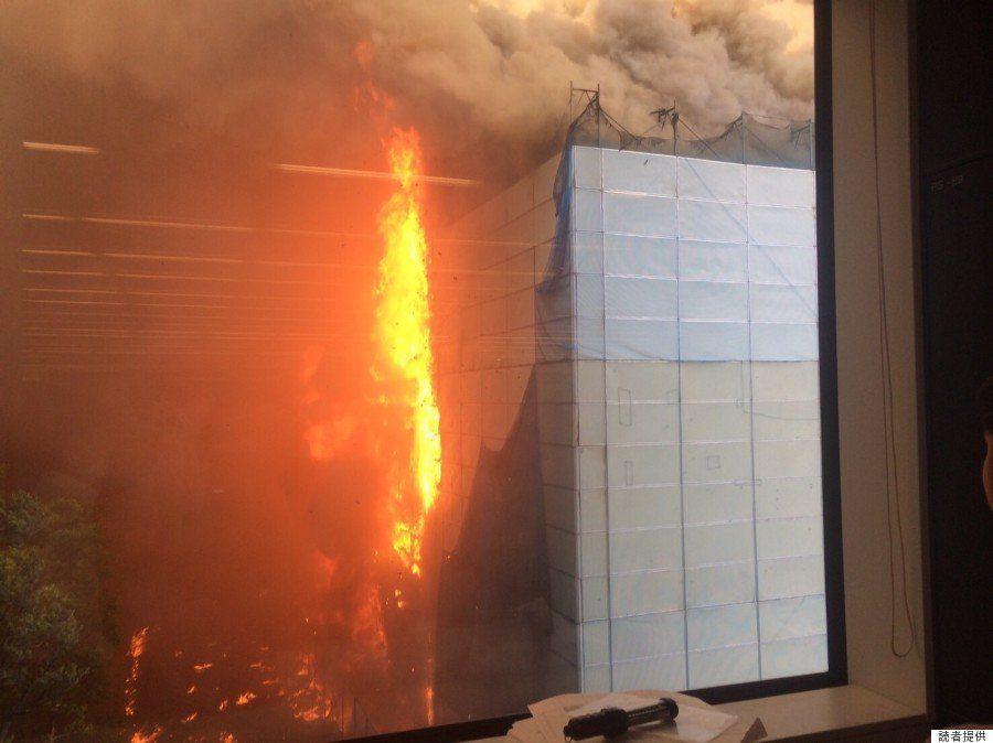 東陽町で倉庫火災 避難した男性「ものすごい煙。あっという間に燃え広がった」