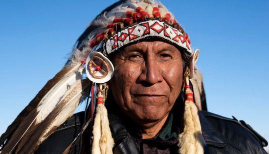 闘いを貫いたアメリカ先住民たちの歓喜、「ダコタ・アクセス・パイプライン」建設見直し(画像集)
