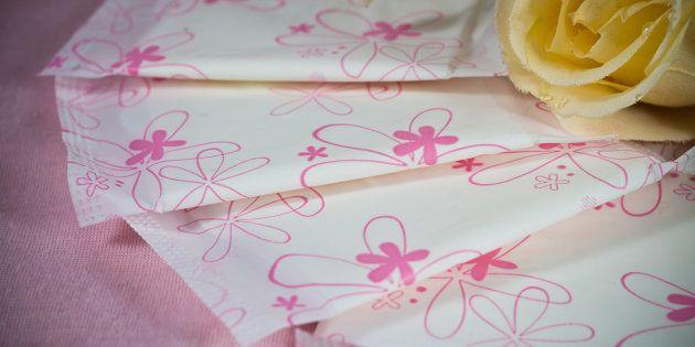 花柄の生理用ナプキン(イメージ写真)