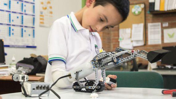 子供たちが自分の義肢をレゴで作る時代が到来へ
