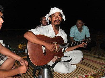 ベトナムで原発と沖縄の基地語り、少数民族交流