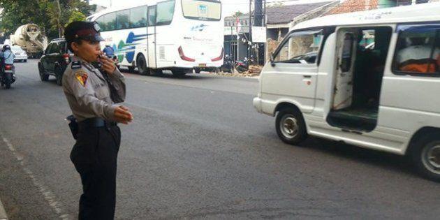 インドネシア:女性警察官に「処女検査」 検査は差別的かつ残酷で、女性の尊厳を傷つける