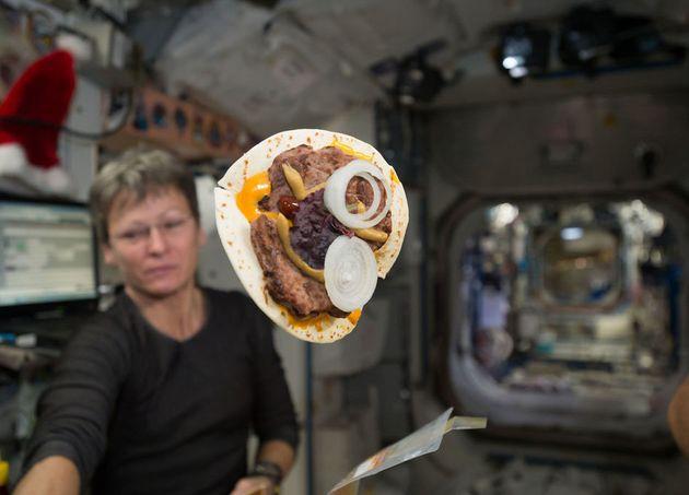国際宇宙ステーションでパン解禁? 「Bake In
