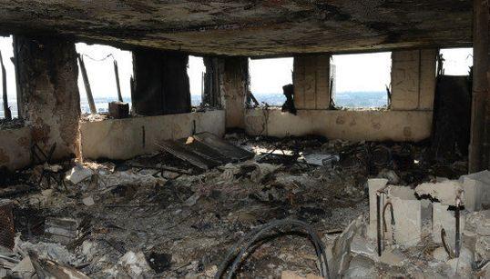 ロンドン火災、部屋の内部は洗濯機や冷蔵庫が黒焦げに【内部画像】