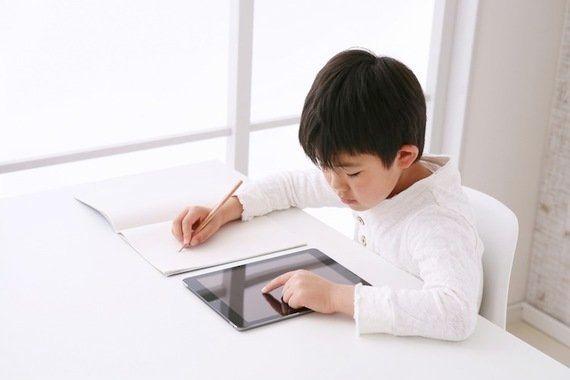 タブレット学習に抵抗はある? タブレットvs紙の実態調査!