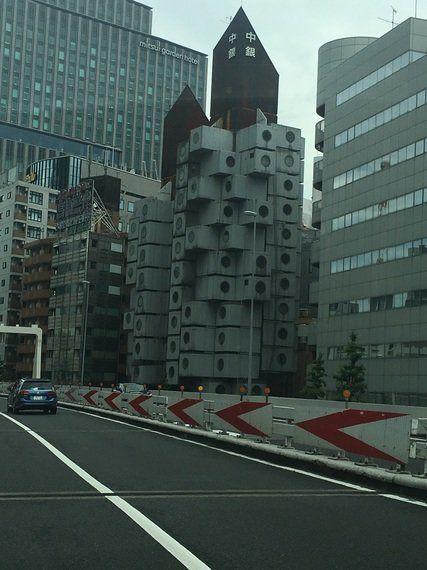 海外セレブも注目 保存運動が起きている「未来建築」中銀カプセルタワーとは