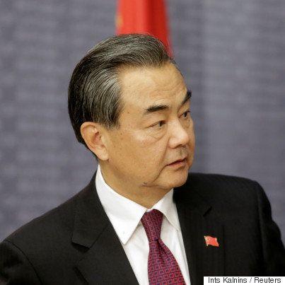 トランプ氏、台湾総統と異例の電話会談 中国外相「台湾のくだらない小細工」と激しく非難