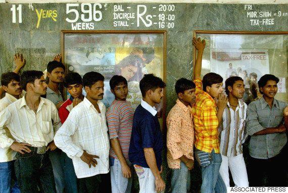 インドの映画館で国歌演奏と起立を義務付け 裁判所が「国歌に敬意を示すように」と命じる