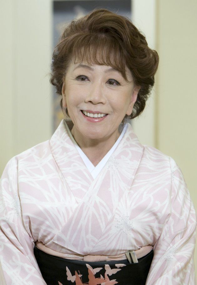 旭日小綬章の受章が決まり、喜びを語る女優の朝丘雪路さん(東京・中央区) 2011年撮影