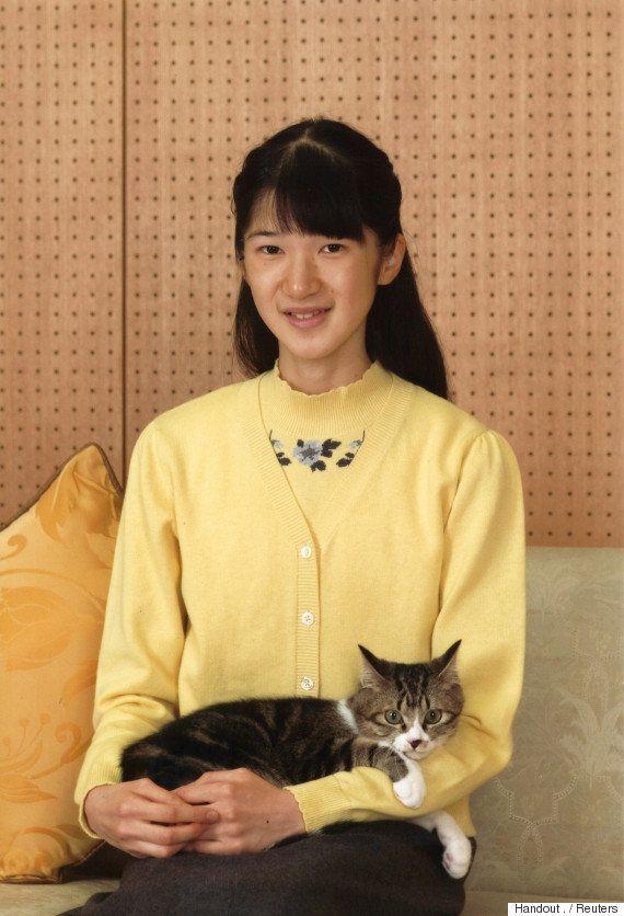 愛子さま15歳に 譲り受けた子猫「セブン」を世話【画像】