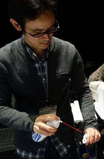手が温かいと相手を信頼する!?「触れる」の科学と触感をデザインするテクノロジー