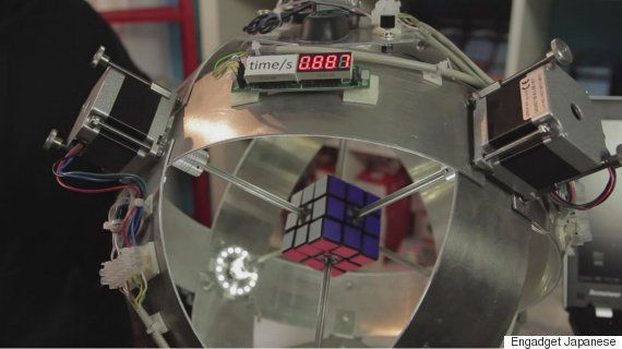 ルービックキューブを0.887秒でクリアするロボット、ギネス申請中(動画)