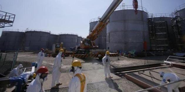 高濃度の汚染水漏れ、作業員も浴びる 福島第一原発
