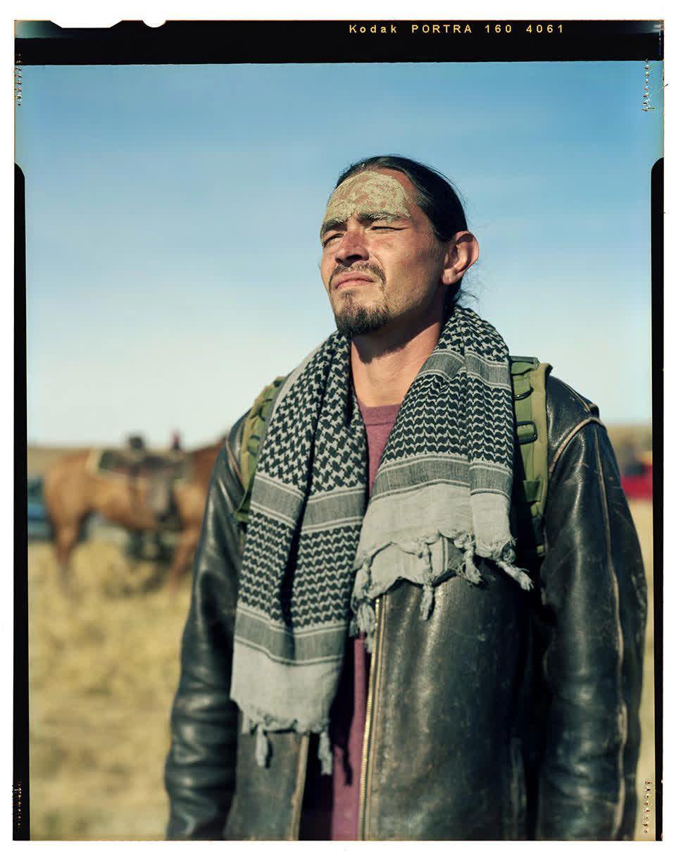 スー族は戦う。先祖伝来の土地を守るために......。「ダコタ・アクセス・パイプライン」に抗議する人々の画像集