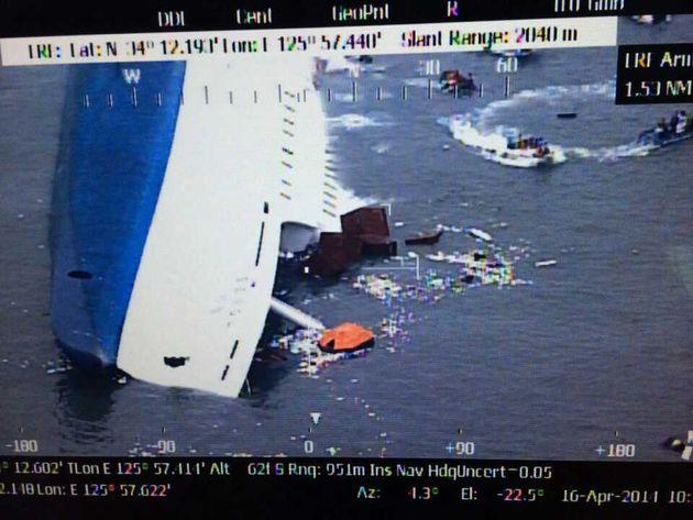 韓国・セウォル号沈没事故、朴槿恵大統領の「空白の7時間」を通話記録と照合すると