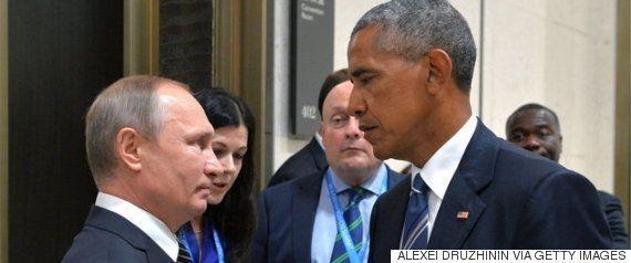 ミシェル・オバマがブッシュ前大統領をハグ 心温まる写真で雑コラ大会