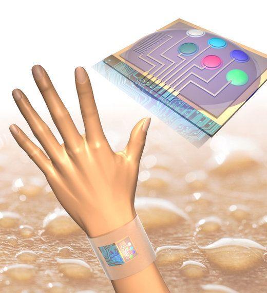 プラスチックでできたウエアラブル汗成分バイオセンサー