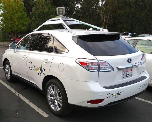 Googleの自動運転車が衝突事故、人が運転していた?
