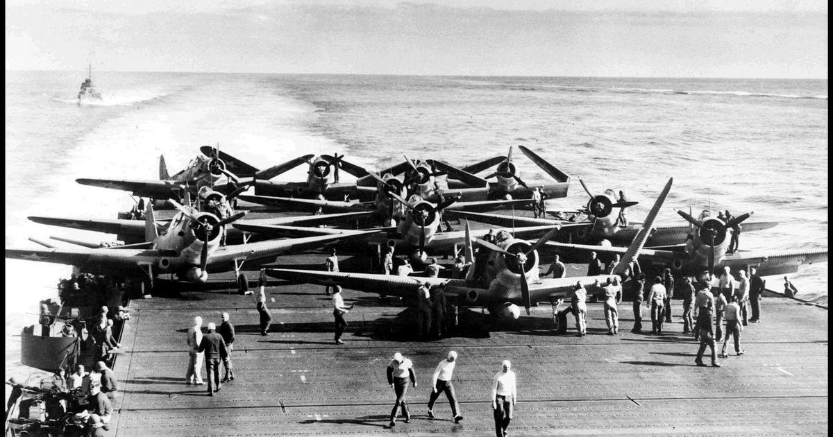 ミッドウェー海戦から76年。太平洋戦争「最大の転機」を歴史的な写真で振り返る