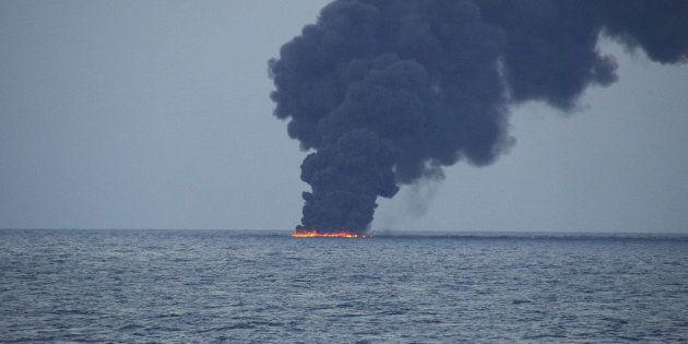 東シナ海タンカー事故によるオイル漂着調査