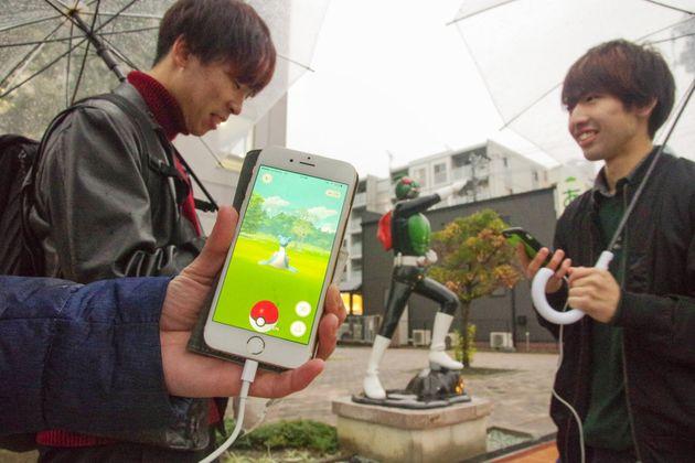 2016年11月11日、宮城県石巻市でスマートフォン向けゲーム「ポケモンGO」のレアポケモンが出現した。ゲームの公式ツイッターは、東日本大震災で被災した岩手、宮城、福島各県の沿岸部で「ラプラス」の出現率が上がっていると告知。石巻市の中心部では雨の中、スマホを手にラプラスを探し求める人が相次いだ。翌日は県主催のゲーム関連イベントが沿岸部で開催された。県の担当者は「運営会社がイベントに合わせて企画してくれたのでは」と驚いた様子だった。