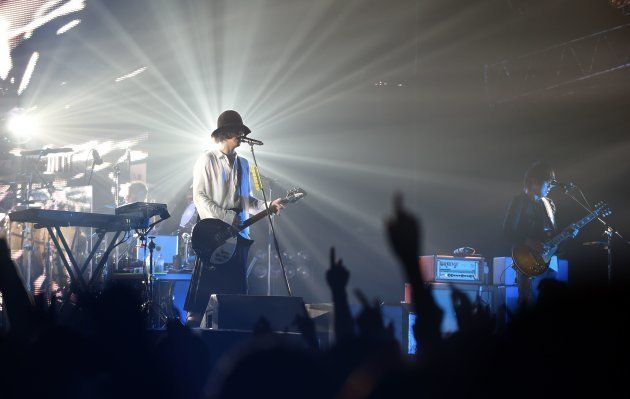 RADWIMPSの新曲「HINOMARU」が波紋 「日出づる国の御名のもとに」
