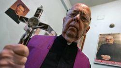 「悪魔払いを7万回」世界的エクソシストの神父が死去 ハリポタ批判などで物議