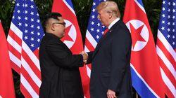 《米朝首脳会談》トランプ大統領と金正恩氏、笑顔で約13秒間の固い握手(動画)