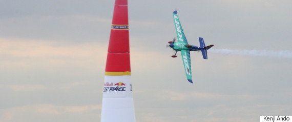 ダグラスDC-3、幕張を舞う。レッドブルエアレース決勝で零戦に続く歴史的な競演(画像集)
