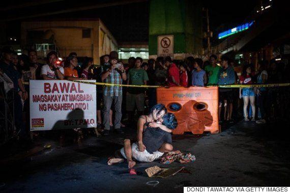 ドゥテルテ大統領の容赦ない麻薬撲滅戦争 超法規的殺人の急増でフィリピンの路上に死体が転がる