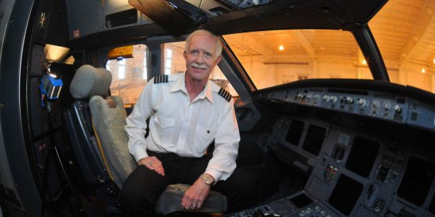 For the first time since crash-landing in the Hudson River, Capt. Chesley 'Sully' Sullenberger returns...